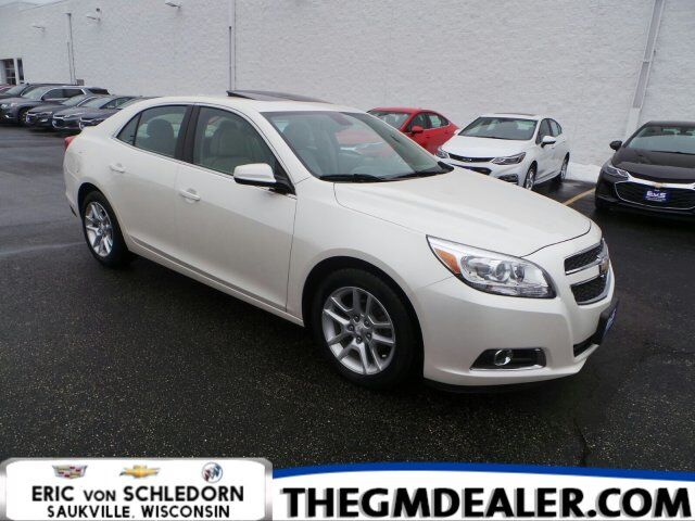 2013 Chevrolet Malibu ECO 2SA Leather NavigationPkgs w/Sunroof Nav HtdMemLthr RearCamera Milwaukee WI