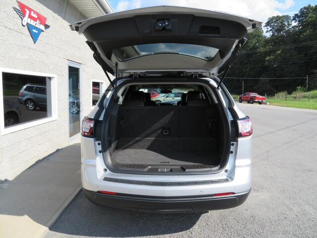 2013 Chevrolet Traverse LT AWD 4 dr w/2LT W/ 3'rd Row Grafton WV