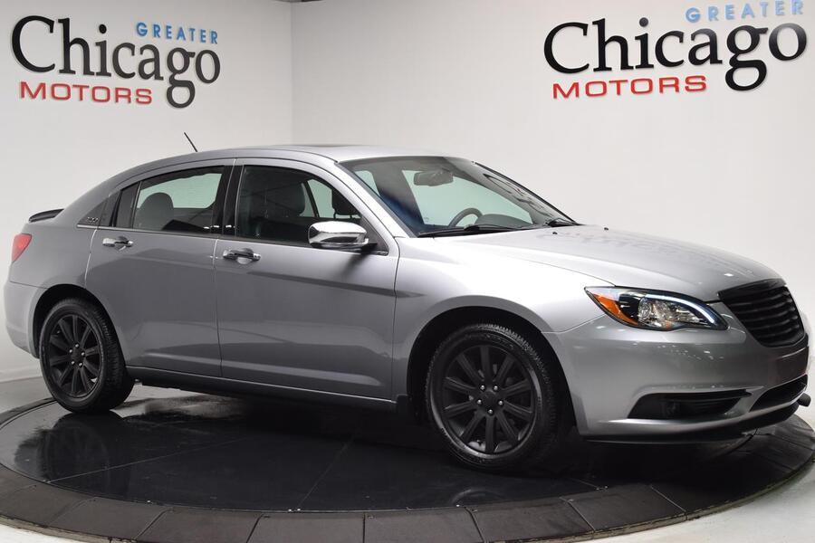 2013_Chrysler_200_Limited_ Chicago IL