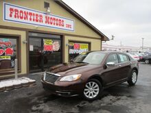 2013_Chrysler_200_Limited_ Middletown OH