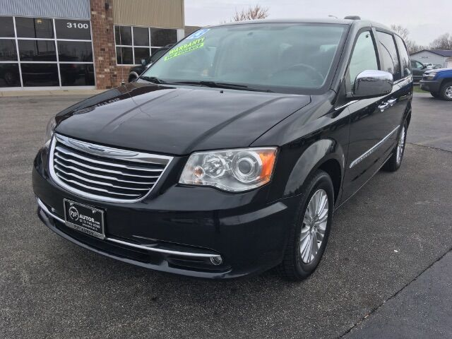 2013 Chrysler Town & Country Limited Springfield IL