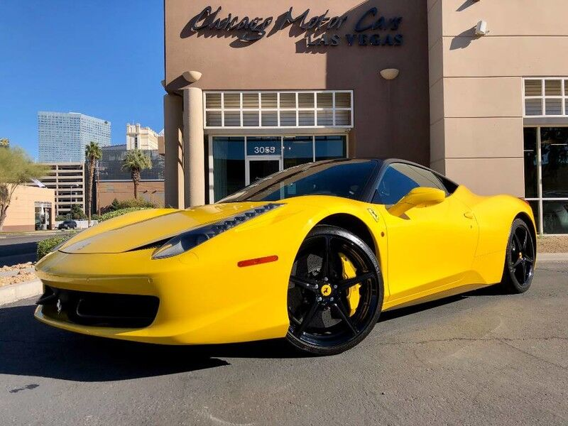 2013_Ferrari_458 Italia_2dr Coupe_ Chicago IL