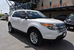 2013_Ford_Explorer_XLT w/ NAVIGATION / LEATHER_ San Antonio TX
