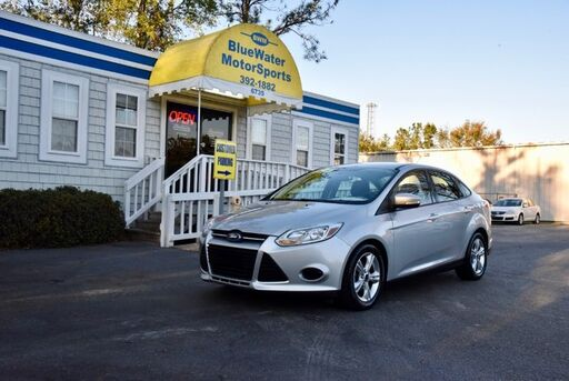 2013_Ford_Focus_SE_ Wilmington NC