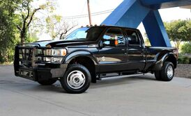 Ford Super Duty F-350 DRW Lariat 2013