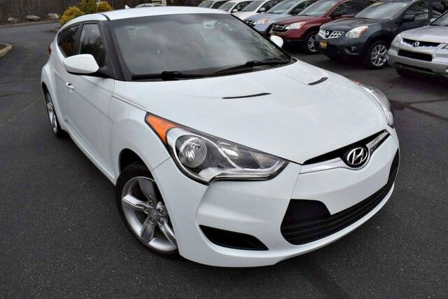 2013 Hyundai Veloster w/Gray Int Easton PA