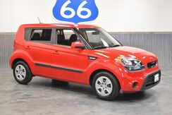 2013_Kia_Soul_1 OWNER! AUTOMATIC!! LOADED! 30 MPG!! AUTOMATIC! ONLY 52K MILES! RARE FIND!_ Norman OK