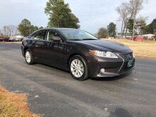 2013_Lexus_ES300H_4d Sedan_ Outer Banks NC