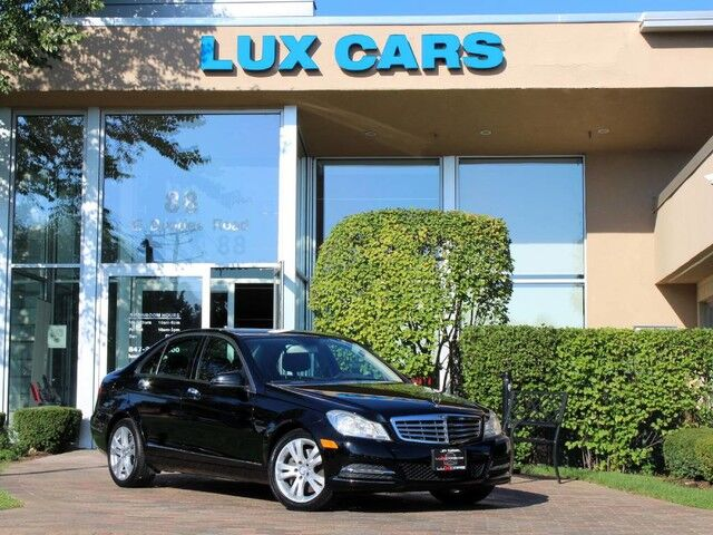 2013_Mercedes-Benz_C300_LUXURY NAV 4MATIC_ Buffalo Grove IL