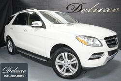 Mercedes-Benz ML 350, Premium Package, Navigation System, Rear-View Camera, Blind Spot Monitor, Heated Seats, Power Sunroof, 19-Inch Alloy Wheels, 2013