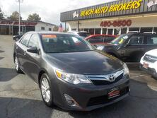 TOYOTA CAMRY XLE, BUYBACK GUARANTEE,WARRANTY, LEATHER, BACKUP CAM, NAV, HEATED SEATS,ONLY 55K MILES!! 2013