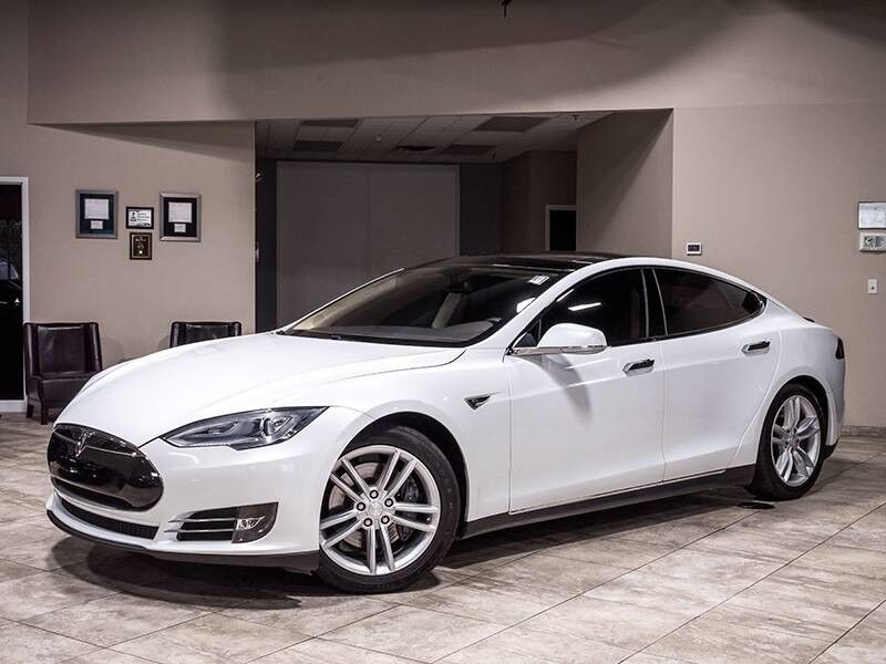 2013_Tesla_Model S P85 plus_Sedan_ Chicago IL