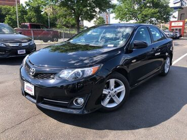 2013_Toyota_Camry_SE_ Worcester MA