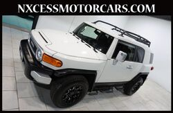 2013_Toyota_FJ Cruiser_4WD AUTOMATIC AUTO DIMMING REAR VIEW MIRROR._ Houston TX