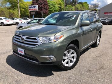 2013_Toyota_Highlander_Plus_ Worcester MA