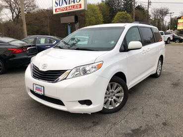2013_Toyota_Sienna_LE_ Worcester MA