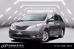 Toyota Sienna XLE V6 Leather Sun Roof Extra Clean. 2013