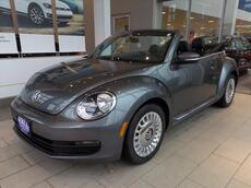 2013_Volkswagen_Beetle_2.5 Convertible_ Brookfield WI