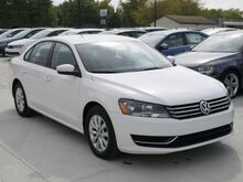 2013_Volkswagen_Passat_S_ Normal IL