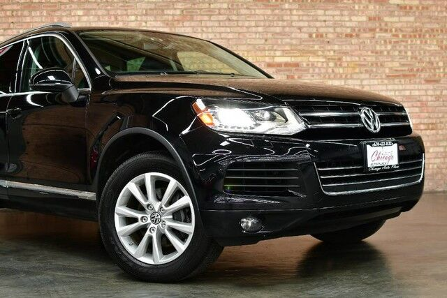 2013 Volkswagen Touareg Lux - 3.6L V6 ENGINE 1 OWNER 4 WHEEL DRIVE BLACK LEATHER HEATED SEATS POWER LIFTGATE BLUETOOTH XENONS PREMIUM ALLOY WHEELS Bensenville IL