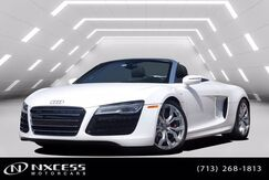 2014_Audi_R8_V10 Carbon Fiber Package Spotless One Owner Car_ Houston TX