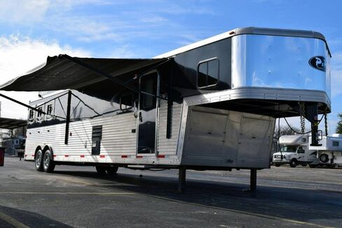 2014_Bison_Bison 3 Horse Trailer With Living Quarters__ Fort Worth TX
