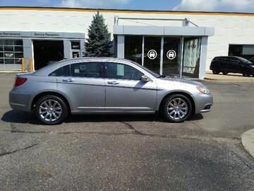 2014 Chrysler 200 4dr Sdn Limited Michigan MI