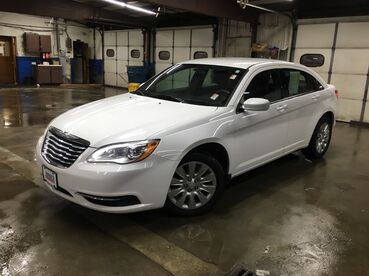2014_Chrysler_200_LX_ Worcester MA