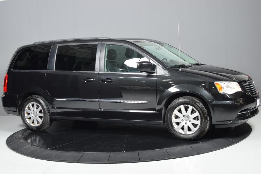 2014_Chrysler_Town & Country_Touring_ Glendale Heights IL