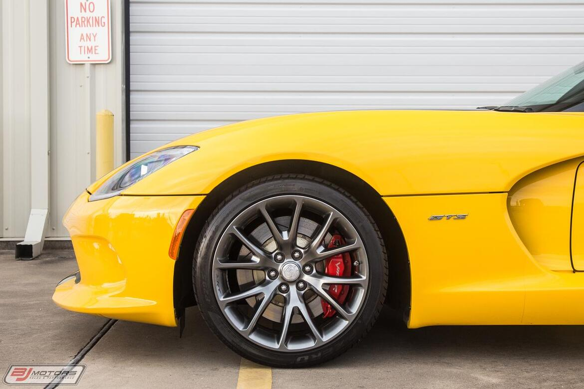 2014 Dodge SRT Viper GTS Low Miles and Immaculate Viper Tomball TX