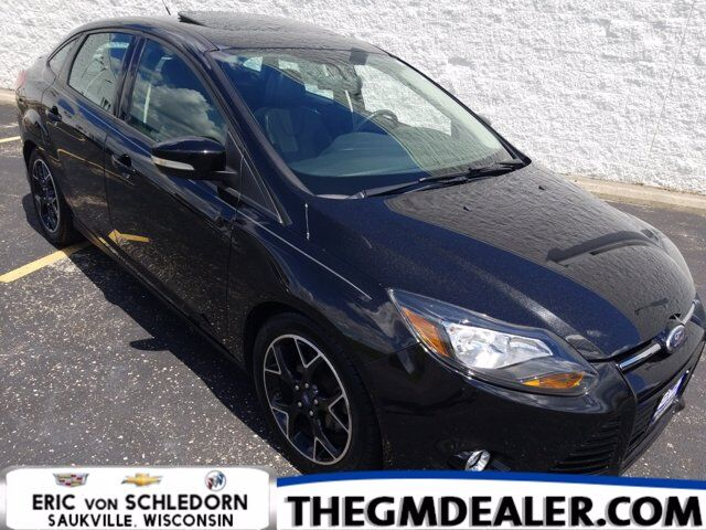 2014 Ford Focus SE AppearancePkg AppearanceBlackPack w/Sunroof 17sBlackWheels Leather Milwaukee WI