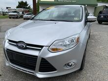 2014_Ford_Focus_SE Sedan_ Brandywine MD