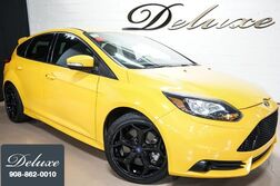 Ford Focus ST, SYNC Entertainment System, Bluetooth Streaming Audio, 252-HP EcoBoost Engine, 6-Speed Manual Transmission, Sport Suspension, 18-Inch Alloy Wheels, 2014
