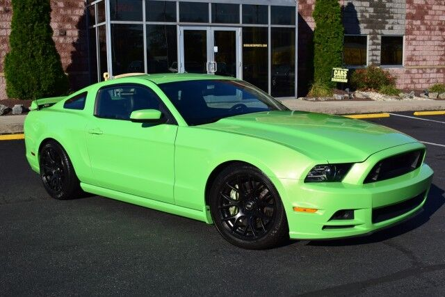2014 Ford Mustang V6 Premium Easton PA