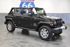 2014_Jeep_Wrangler Unlimited_UNLIMITED 4X4! LEATHER! NAVIGATION! PAINTED TO MATCH HARD TOP! C_ Norman OK
