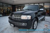 2014 Lincoln Navigator / 4X4 / Heated & Cooled Leather Seats / THX Speakers / Navigation / Sunroof / Rear Captain Chairs / 3rd Row / Seats 7 / Bluetooth / Back Up Camera / Cruise Control / Tow Pkg