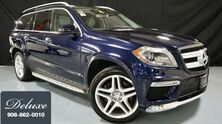 Mercedes-Benz GL550 4MATIC / Rear DVD/ Heated Rear Seats/ Trailer Hitch/ Pano Roof 2014
