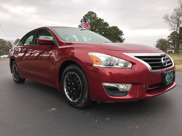 2014 Nissan Altima 4d Sedan S 2.5L Outer Banks NC