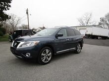 2014_Nissan_Pathfinder_Platinum Hybrid 4x4_ Richmond VA