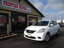2014_Nissan_Versa_1.6 SV Sedan_ Middletown OH
