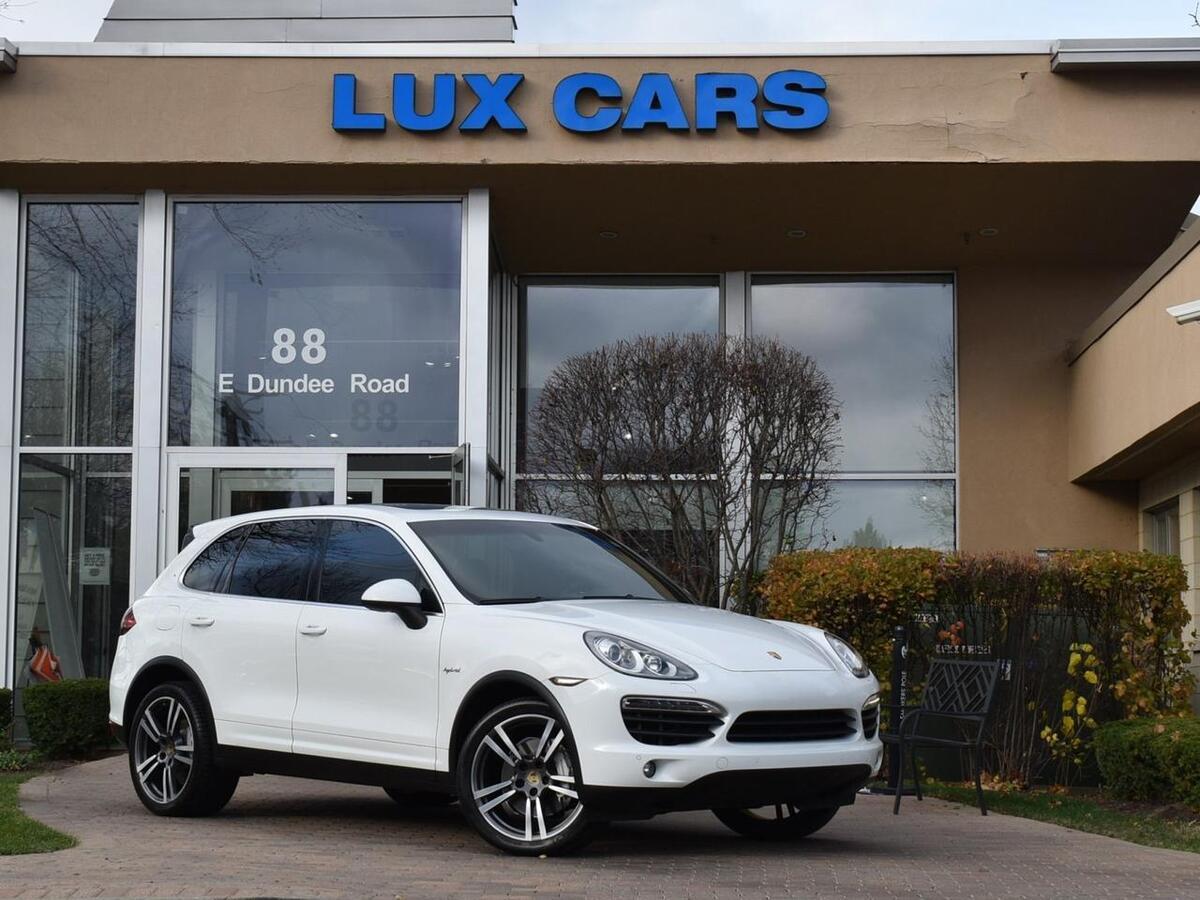 2014_Porsche_Cayenne_S Hybrid Panoroof Nav AWD MSRP $83,715_ Buffalo Grove IL