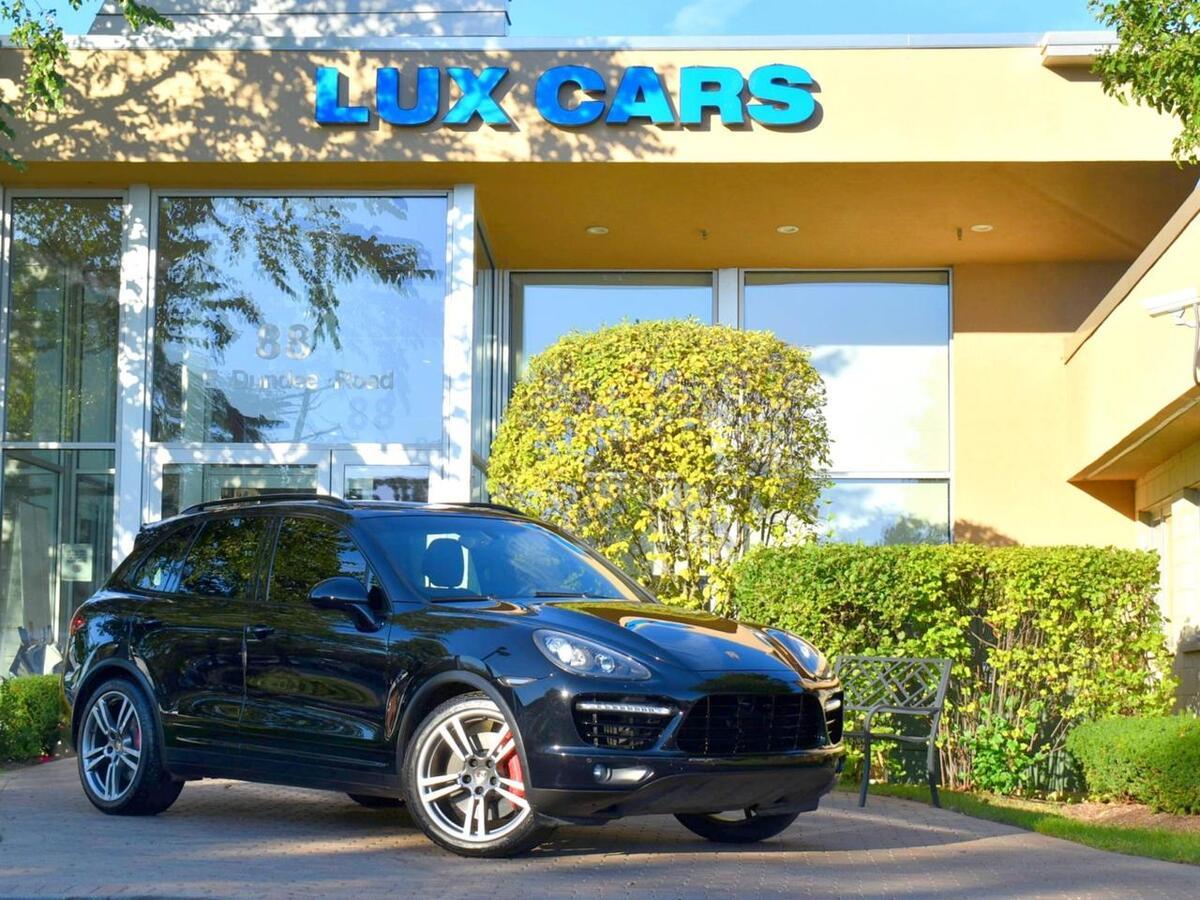 2014_Porsche_Cayenne_Turbo Panoroof Nav AWD MSRP $127,230_ Buffalo Grove IL