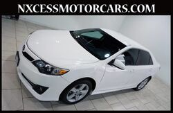 2014_Toyota_Camry_SE AUTO XENON BACK-UP CAM ALLOY WHEELS CLEAN CARFAX._ Houston TX