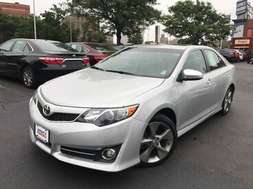 2014_Toyota_Camry_SE_ Worcester MA