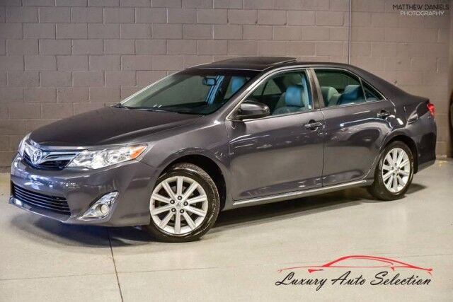 2014_Toyota_Camry XLE_4dr Sedan_ Chicago IL