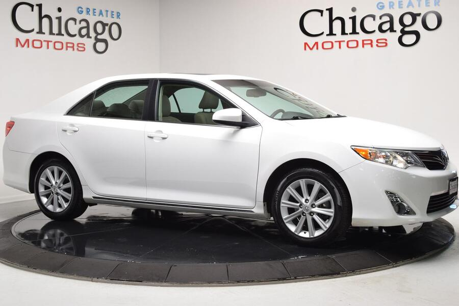 2014_Toyota_Camry_XLE_ Chicago IL