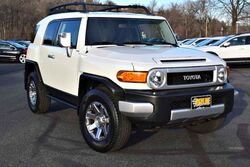 Toyota FJ Cruiser 4x4 5-Speed 2014