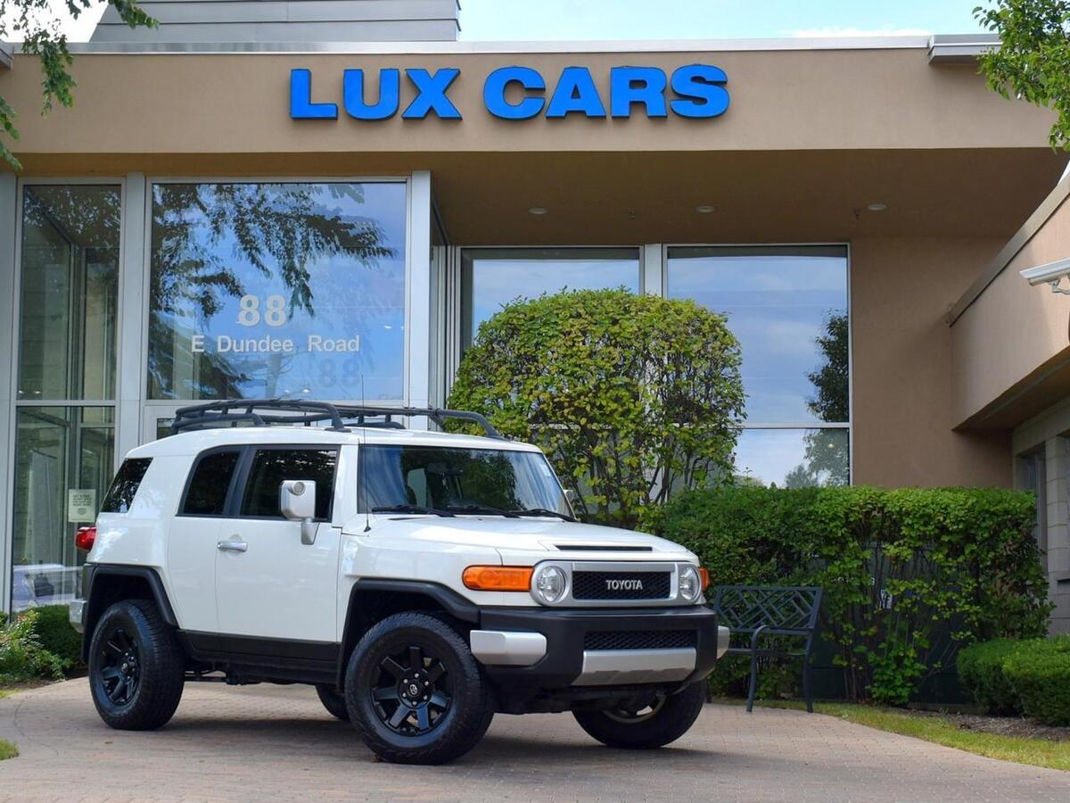 2014_Toyota_FJ Cruiser_Upgrade & Convenience PKG 4WD_ Buffalo Grove IL