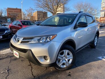 2014_Toyota_RAV4_LE_ Worcester MA