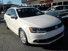 2014_VOLKSWAGEN_JETTA_TDI PREMIUM, BUYBACK GUARANTEE, WARRANTY, LEATHER, NAV, BACKUP CAM, HEATED SEATS, SUNROOF,VERY NICE!_ Norfolk VA